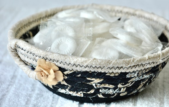 Beige Ring Dish, Handmade Fabric Bowl, Key Tray, Black and Beige Candy Dish, Desk Accessory Basket, Soft Fiber Pottery, Artisan Quilted