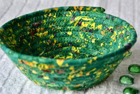 Green Candy Dish, 1 Handmade Batik Fabric Bowl, Kelly Green Ring Dish, Quilted Cotton Basket, Potpourri Basket, Key Change Bowl