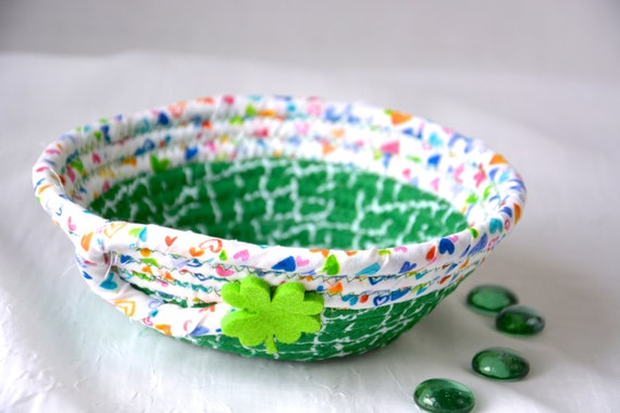 St. Patrick's Day Decor Bowl, Irish Shamrock Dish, Handmade Rope Basket, Green Shamrock Decor Basket, Candy Dish, Desk Accessory