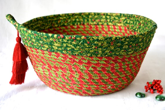 Holiday Home Decor, Card Holder, Handmade Christmas Decorative Bowl, Christmas Fabric Bowl, Elegant Holiday Basket, Artisan Quilted