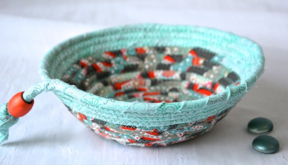 Mint Green Bowl, Cute Picnic Basket, Handmade Key Holder, Hand Coiled Rope Basket, Beach Decor Basket, Lovely Fabric Basket