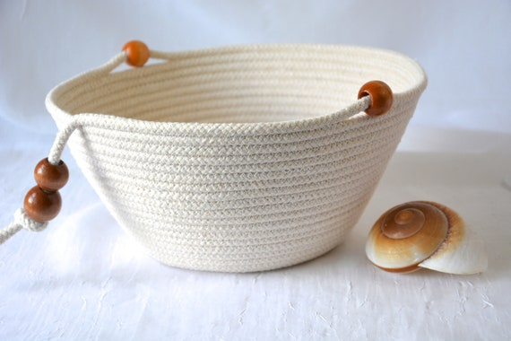 Country Rope Basket, Handmade Clothesline Quilted Bowl, Remote Holder, Farmhouse Chic Coiled Basket, Rustic Natural Raw Rope Decor