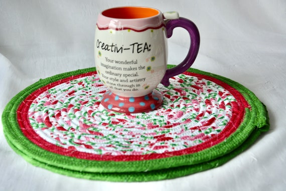 """Watermelon Place Mats, Set of 2, 12"""" Handmade Red and Green Trivet, Cookout Hot pad,  Potholder, Coiled Rope Mat, Table Runner"""