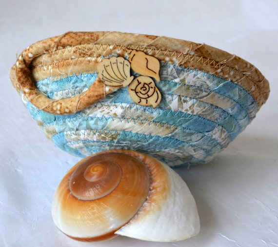 Sandy Beach Bowl, Surf Blue Basket, Handmade Phone Holder, Hand Coiled Rope Basket, Beach Decor Basket, Lovely Fabric Basket