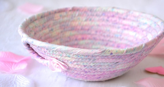 Pink Potpourri Basket, Handmade Fabric Bowl, Candy Dish, Quilted Cotton Basket, Coiled Change Coin Bowl, Key Tray, Phone Holder
