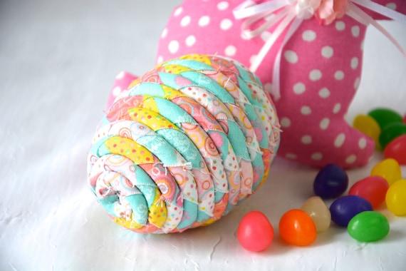 Maraca Easter Egg Ornament, Handmade Easter Decoration, Easter Egg Hunt, Musical Percussion Easter Egg, Bowl Filler, Basket Stuffer