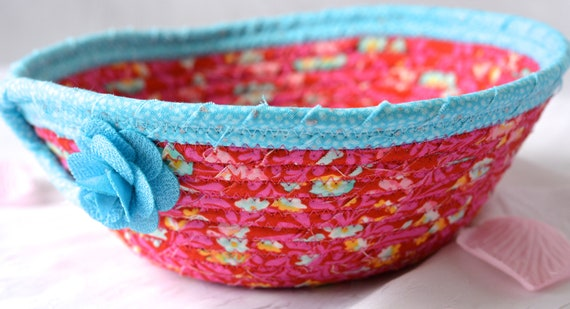 Magenta Quilted Basket, Handmade Pink and Blue Bowl, Pink Candy Dish, Makeup Organizer, Cute Desk Accessory Basket, Coiled Rope Basket