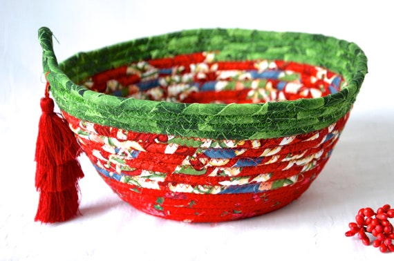 Holiday Decor Card Holder, Handmade Christmas Decorative Bowl, Christmas Fabric Bowl, Holiday Bread Basket, Artisan Quilted