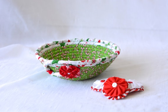 Christmas Decoration, Holiday Candy Dish, Handmade Coiled Christmas Basket, Cute Quilted Basket, Textile Art Bowl, Stocking Stuffer