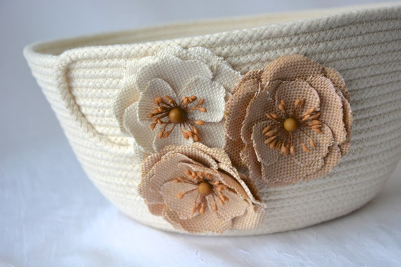 Neutral Ropa Basket, Handmade Farmhouse Home Decor, Quilted Basket, Country Clothesline Basket, Burlap Flower Bowl,  Minimalist Rope Bowl