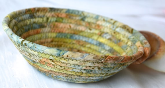 Country Decor Basket, Handmade Key Bowl, Wallet Holder, Quilted Rope Basket, Boho Chic Fabric Bowl, Coin Change Bowl