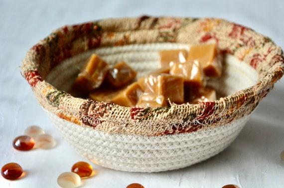 Burlap Candy Dish, Potpourri Bowl, Key Holder, Handmade Quilted Basket, Rustic Beige Basket, Ring Dish,  Minimalist Burlap and Rope Bowl