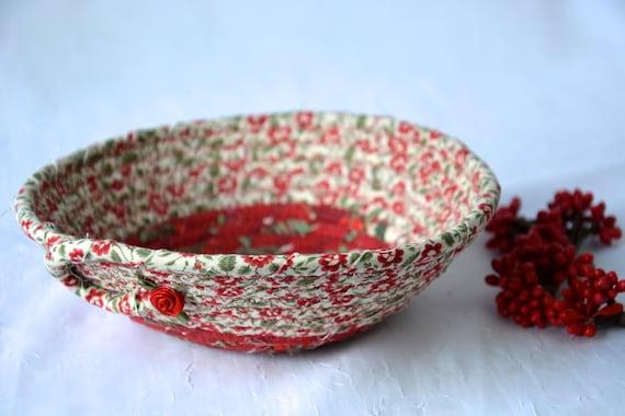 Holiday Decor Candy Dish, Handmade Christmas Decoration, Cute Potpourri Holder Bowl, Decorative Red Basket, Holiday Ring Dish Tray