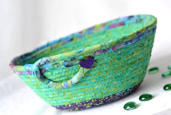 Beautiful Green Bowl, Handmade Batik Basket, Decorative Rope Basket, Lovely Gift Basket, Green Catchall, Yarn Bowl, Ring Holder