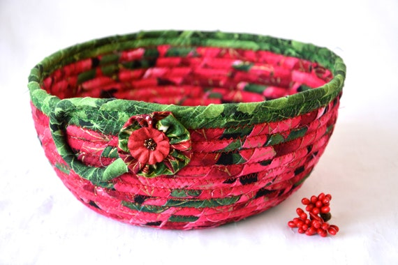 Red Holiday Bowl, Christmas Napkin Holder, Handmade Fruit Bowl, Christmas Fabric Bowl, Holiday Bread Basket, Quilted