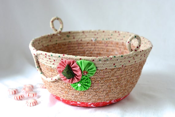 Country Gingerbread Decoration, Handmade Christmas Decorative Bowl, Christmas Fabric Bowl,  Holiday Card Basket, Artisan Quilted