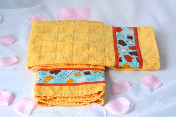 Picnic Gift Set, Summer Yellow Kitchen Towels, 2 Hand Decorated Towels, Cheery Towel Set, Set of Two, Bridal Shower Gift
