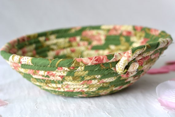Shabby Chic Decoration, Handmade Candy Bowl, Shabby Chic Ring Dish Basket, English Garden Desk Accessory, Floral Gift Basket