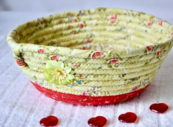 Cute Ring Dish, Key Bowl, Potpourri Basket, Handmade Candle Basket, Green Candy Dish, Napkin Holder, Picnic Decor Bowl, Desk Accessory