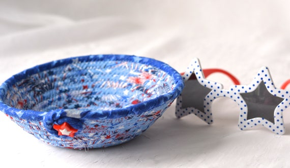 Memorial Day Party Decor, Handmade Red White and Blue Bowl, Toothpick Bowl, Cookout Picnic Basket, Gift Basket, Patriotic Decoration