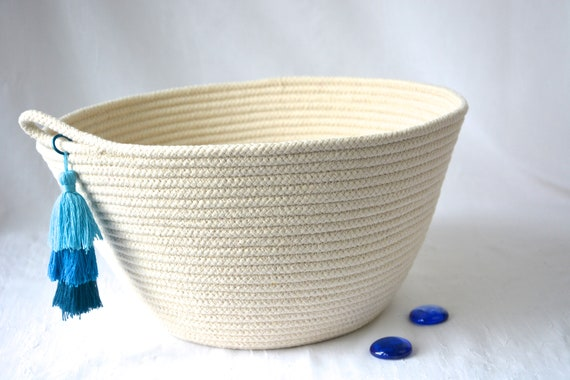 Country Beige Decor, Neutral Rope Basket, Handmade Quilted Bowl, Brush Holder, Gift for Mom, Farmhouse Coiled Basket, Bathroom Towel Holder