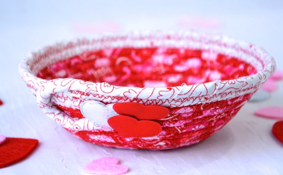Mother's Day Gift, Handmade Heart Love Basket, Red Party Favor, Gift Basket, Cute Heart Key Holder, Pink Heart Decorative Bowl