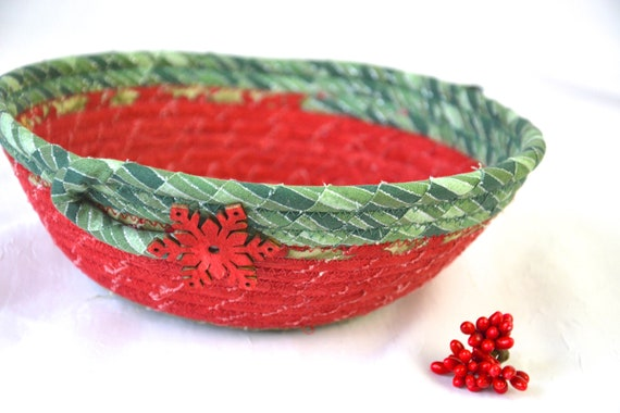 Christmas Potpourri Bowl, Handmade Red Holiday Basket, Homemade Christmas Candy Dish, Snowflake Decoration, Ring Dish, Key Bowl
