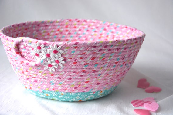 Pink Spring Decoration, Cute Bath Decor Basket, Handmade Fabric Bowl, Pretty Quilted Basket, Pink Napkin Holder, Fruit Bowl, Bread Basket