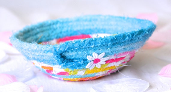 Cute Easter Basket, Spring Candy Dish Bowl, Handmade Fabric Basket, Coiled Fabric Basket, Aqua Ring Dish, Girl Room Decor