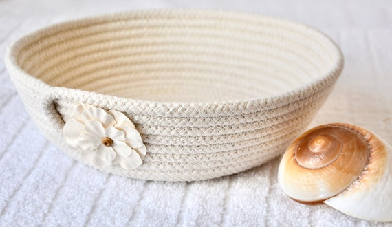 Sunflower Candy Dish, Beige Home Decor, Neutrals Desk Accessory Bowl, Handmade Key Basket, Country Rope Bowl, Ring Dresser Tray