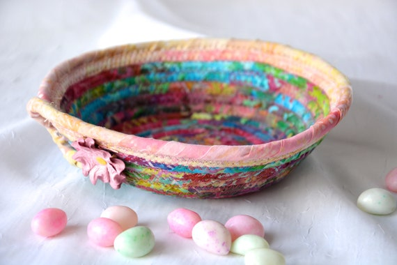 Boho Ring Dish Basket, Handmade Batik Bowl, Quilted Cotton Basket, Rustic Chic Fabric Bowl, Coiled Change Bowl, Rope Clothesline Bowl