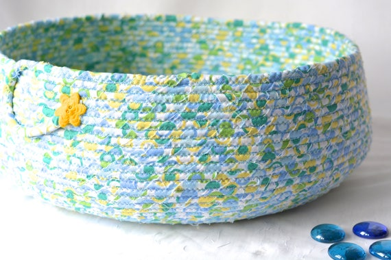 Cat Bed Basket, Handmade Storage Basket, Lovely Fiber Basket, Book Bin Holder, Artisan Quilted Basket, Dog Bed Furniture, Pet Toy Bin