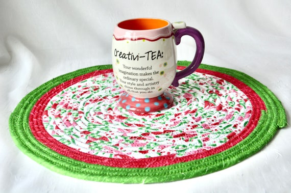 """Picnic Table Trivet, Watermelon Place Mat 14"""", Handmade Red and Green Hot pad, Fun Potholder, Coiled Rope Mat, Table Runner"""