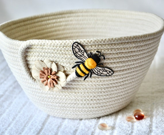 Bee Rope Basket, Neutrals Bowl, Handmade Picnic Basket, Country Fruit Bowl, Quilted Napkin Holder, Farmhouse Home Decor, Honey Bee Bin