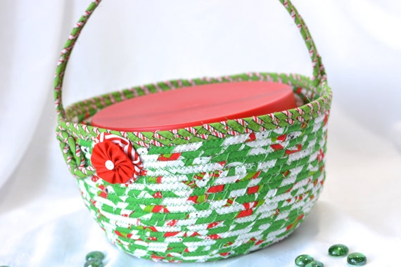 Christmas Gift Basket, Holiday Decoration, Homemade Holiday Cookie Caddy, Christmas Dessert Carrier, Quilted Handled Basket, Coiled
