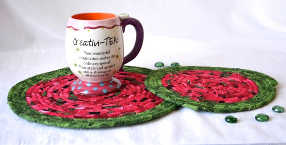 Christmas Pointsettia Trivet Set, 2 Handmade Place Mats, Holiday Potholders, Table Runners, Quilted Hot Pads, Table Topper Decoration