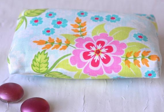 Kleenex Pocket Tissue Holder, Summer Floral Case, Handmade Travel Tissue Case, Party Favor, Purse Accessory,Basket Filler