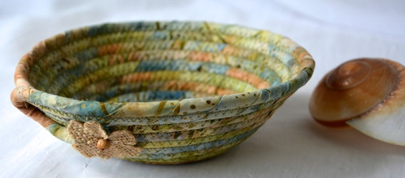 Country Batik Basket, Handmade Key Bowl, Wallet Holder, Quilted Rope Basket, Boho Chic Fabric Bowl, Coin Change Bowl