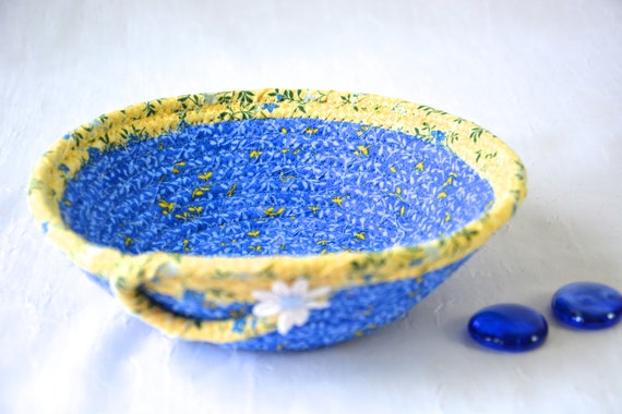 Spring Daisy Basket, Handmade Quilted Baskets, Lovely Blue and Yellow Coiled Basket, Easter Basket, Decorative Home Decor Bowl