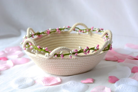 Cute Rope Basket, Handmade Quilted Bowl, Brush Holder, Primitive Coiled Clothesline Basket, Rustic Natural Raw Rope Decor