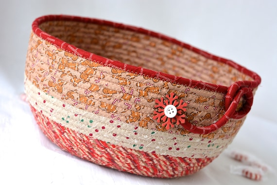 Christmas Gingerbread Decoration, Handmade Holiday Decorative Bowl, Christmas Fabric Bowl,  Holiday Card Basket, Artisan Quilted