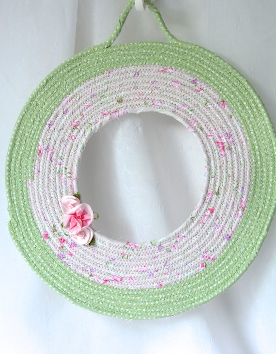 Green Easter Wreath, Spring Door Hanger, Lovely Wall Art, Artisan Quilted Wreath, Handmade Floral Home Decor, Modern Easter Decoration