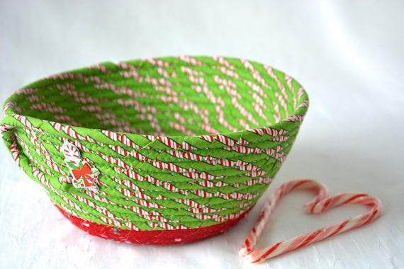 Candy Cane Decor Bowl, Handmade Decorative Christmas Basket, Christmas Fabric Bowl, Holiday Bread Basket, Artisan Quilted