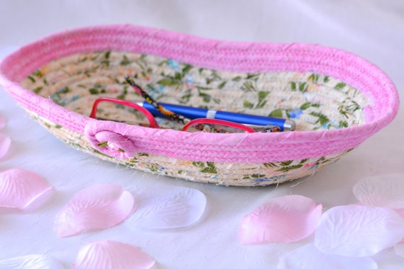 Cute Pen Holder  Basket, Pretty Eyeglasses Bin, Candy Dish, Handmade Key Basket, Ring Dish, Pink Desk Accessory, Potpourri Bowl
