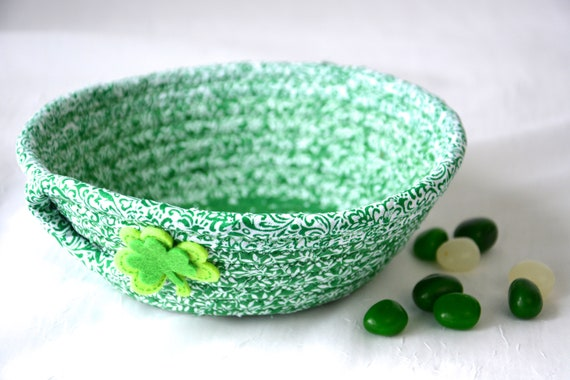 Green Ring Dish, St. Patrick's Day Decor Bowl, Handmade Rope Basket, Irish Shamrock Decor Basket, Candy Dish, Desk Accessory