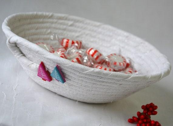 Christmas Tree Decor, Holiday Home Decor Basket, Handmade Trinket Ring Dish, White Christmas Basket, Holiday Potpurri Holder