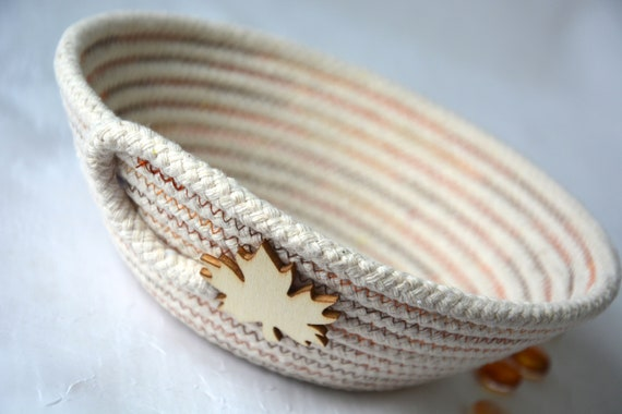 Beige Candy Dish, Fall Desk Accessory Bowl, Handmade Rope Basket, Country Ring Dresser Tray, Table Decoration, Farmhouse rope basket