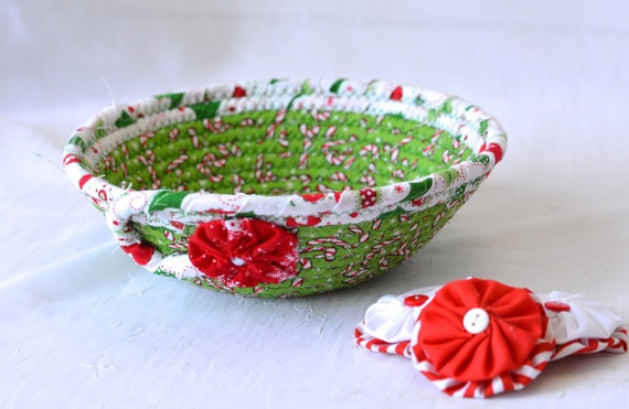 Christmas Decoration, Holiday Candy Dish, Handmade Christmas Potpourri Basket, Cute Quilted Basket, Textile Art Bowl, Stocking Stuffer