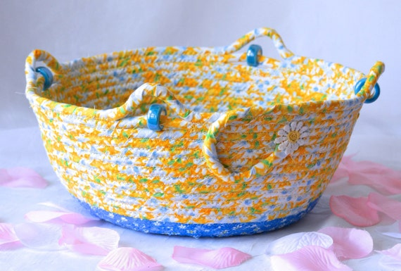Picnic Daisy Bowl, Yellow Fiber Art Basket, Handmade Quilted Fabric Basket, Summer Decoration, Lovely Patio Napkin Basket Home Decor