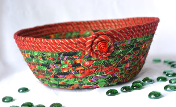 Elegant Holiday Decoration, Handmade Christmas Decorative Bowl, Christmas Fabric Bowl, Elegant Holiday Basket, Artisan Quilted